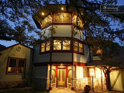 Photo for 7 bedroom, 5 bath, 5 star reviews!  Zilker Park location.
