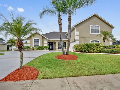 Photo for 5 bed/ 4 ba Pool House in Kissimmee - Newly renovated