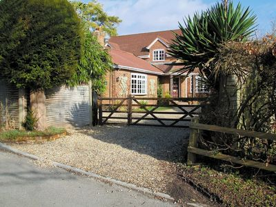 Photo for 1BR Cottage Vacation Rental in Brook, Hampshire