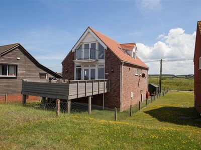 Photo for Excellent three-bedroom property which is as close to the sea as you can be.
