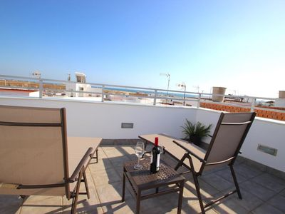 Photo for Modern and new townhouse in Conil with sea views, air condition and wifi, for 2-4 persons