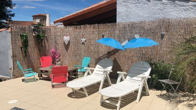 Photo for Family villa with pool 8/4 private parking