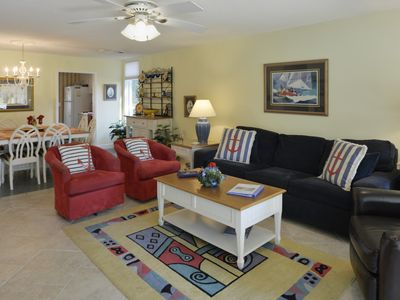 SeaPines, Golf view, Walk to the Beach Club, 2 free bikes, Pet friendly