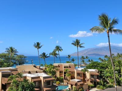 Photo for Fully furnished, updated tropical decor, oceanview lanai, close to beach