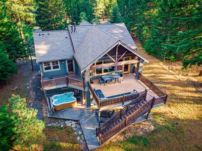 Beautiful Suncadia Home on Private 1 Acre Lot * Golf Simulator * Hot Tub