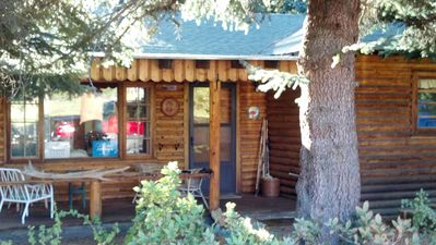 Photo for Beautiful 2 bedroom cabin on the river