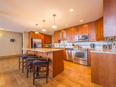 Photo for Executive 6 Brdm, 5 Bath Penthouse, Sleeps 18 in Happy Valley