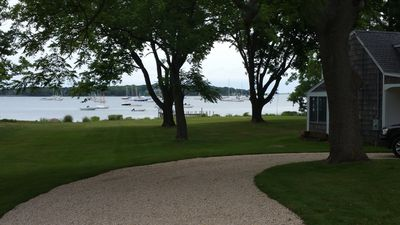 200 feet of waterfront. Easy to load cars in circular driveway
