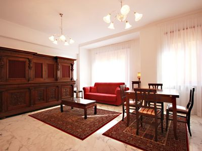 Photo for Finely renovated, Jacuzzi, terrace, near the Vatican