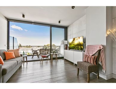 Photo for Stunning luxury apartment with sweeping views