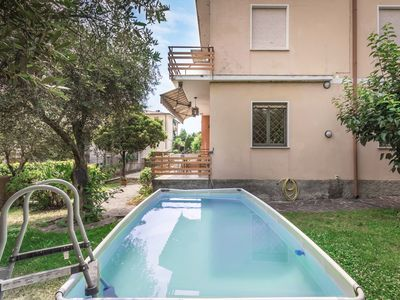 Photo for Spacious, with balcony and very close to the lake - Casa del Capitano primo piano