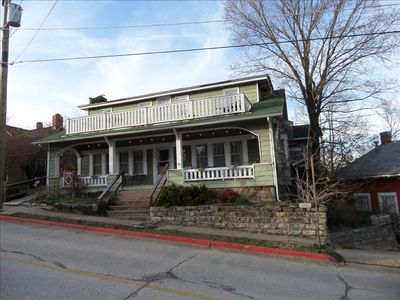 Sparky's Guest House, Large 5 bdrm on the Historic Loop - Amazing Porch!