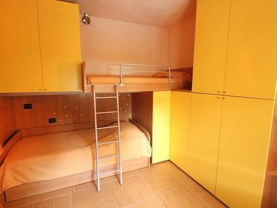 Photo for Apartment in the center of Toscolano Maderno with Internet, Pool, Air conditioning, Lift (115571)