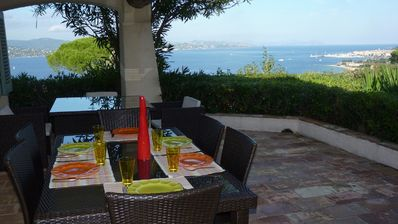 Photo for Villa with pool and exceptional views over the bay of Saint-Tropez