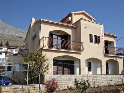 Photo for Apartment in Duće (Omiš), capacity 6+0