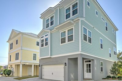 A rejuvenating Myrtle Beach retreat awaits at this vacation rental house!