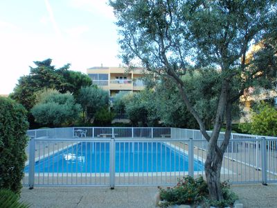 Photo for T2 residence with swimming pool 300 meters beach Sanary six ovens