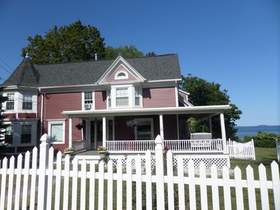 Irish Rose Victorian On The Cove centrally located on Maine's scenic mid-coast