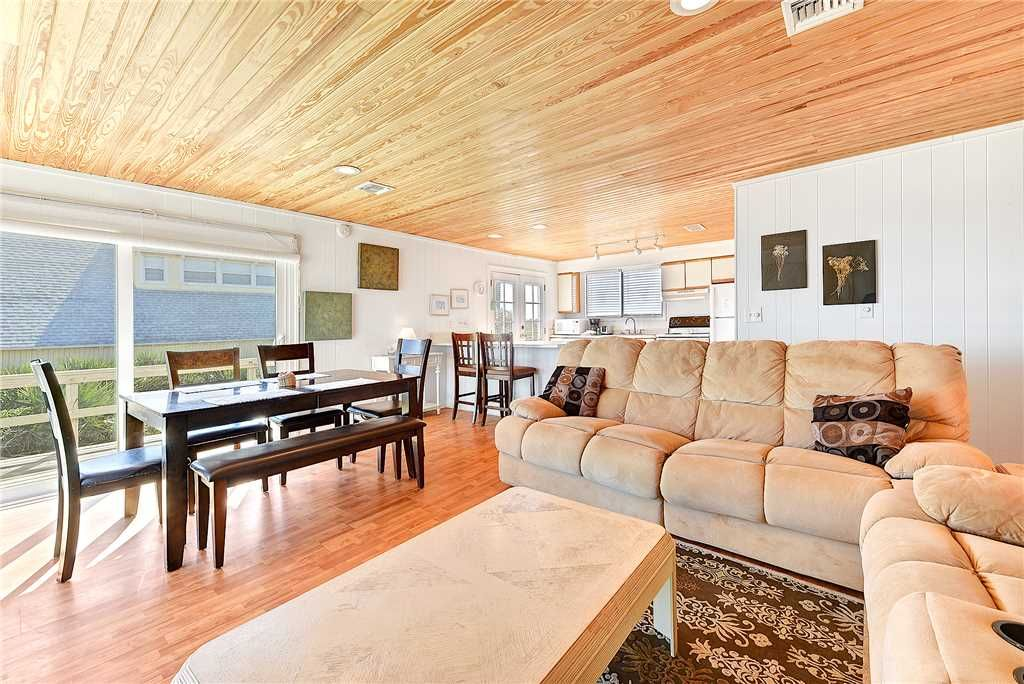 Harmony Beach House, 3 Bedrooms, Sleeps 6, Ocean Front, Large Deck - South  Ponte Vedra Beach