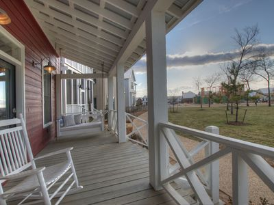 """Carlton Landing - """"The Redbud"""" Adorable Cottage with Porch Swings on Redbud Park"""