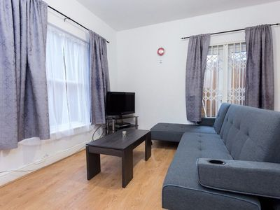 Photo for 3 Bedroom House in Lewisham Sleeps 7