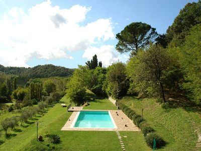 Photo for Wonderful private villa with private pool, A/C, hot tub, WIFI, TV, pets allowed and parking