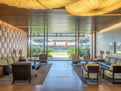 Photo for Luxury One Bed Condo at the ONE ALA MOANA!! (OAM4)