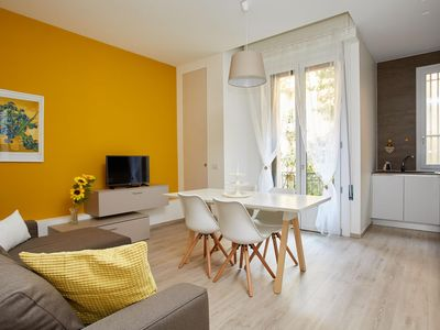 Photo for Giorgio Washington apartment in Navigli with WiFi, integrated air conditioning, balcony & lift.