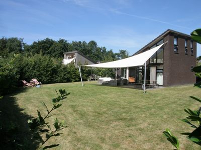 Photo for Family house, bright, 700m garden, close to Sea and forrest and dunes