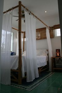 Bamboo Poster bed