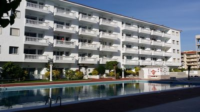 Photo for Apt. 200 meters from the beach, ideal for couples or families. Community pool.