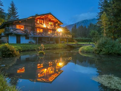 Photo for 7 bedroom Chalet, sleeps 14 with FREE WiFi and Walk to Shops
