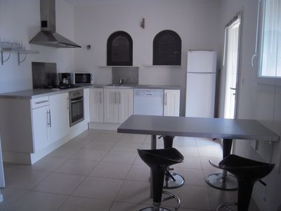 Photo for Mini villa with direct access to the sea, sleeps 4, quiet and shaded.