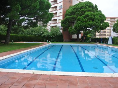 Photo for RENOVATED, (4 + 2) people, pool and excellent situation