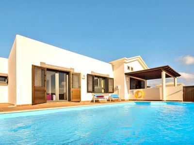 Photo for Villa, Playa Blanca  in Lanzarote - 4 persons, 2 bedrooms