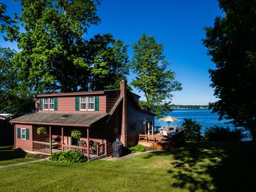 Finger Lakes Wine Trail: Newly Renovated Lakefront Cottage - East Side of Owasco