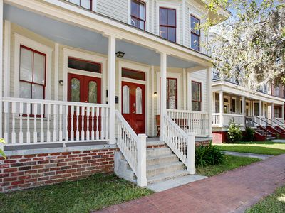 Photo for Beautifully Refinished 4BR in East Victorian District, Walk to Dining & Shops