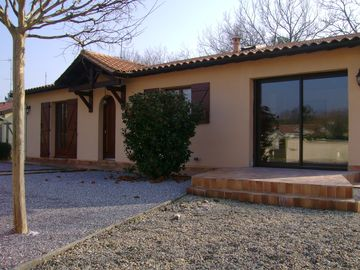 VILLA COMPLETELY RENOVATED 3 STAR RANKED IN THE HEART OF ROCHER