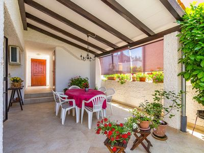 Photo for Attractive apartment near beach with BBQ
