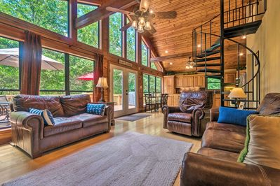 Head to Arkansas and stay at this vacation rental house in Scranton!