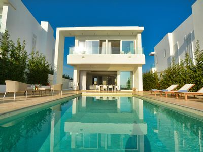 Photo for Blue Waves Villa, Luxury and Exquisite 5BDR, 3 Storey, Seafront Villa