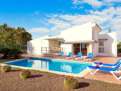 Photo for Stylish villa with 3 air-conditioned bedrooms in a fantastic area of Menorca