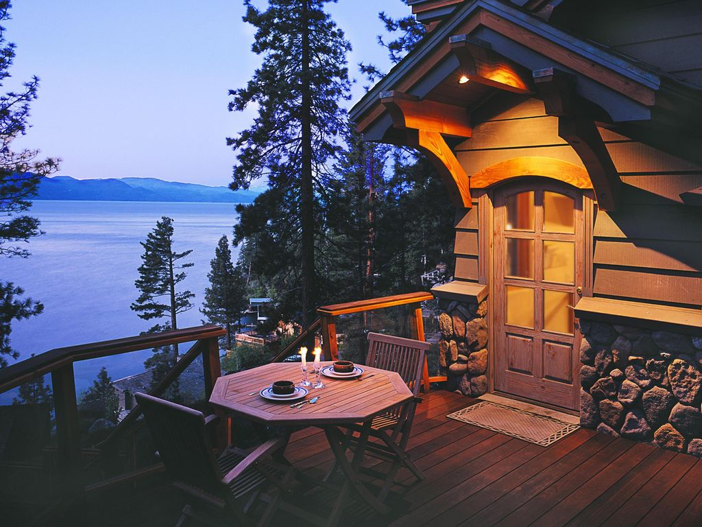 North Tahoe LakeView Home 4 BR sleeps 8  Crystal Bay