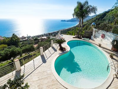 Photo for Villa with panoramic sea view pool a few km from Taormina