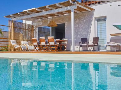 Photo for Villa with Pool 300 meters from the sea