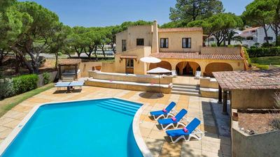 Photo for 5 bedroom Villa, sleeps 12 in Vale do Lobo with Pool, Air Con and WiFi