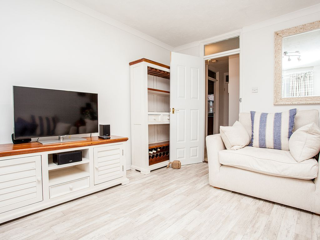 Stunning Ious South London 1 Bed Apartment With Balcony One Bedroom Sleeps 4