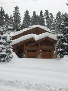 Photo for Beautiful 4 bedroom Post and Beam Log Home - 5 minutes from Whistler Village