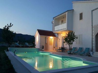 Photo for Spacious 4 bedroom apartment with lovely veranda, shared pool, sauna & fitness