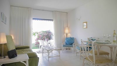 Photo for One Bedroom Vacation Rental Apartment | Lemon Arbour
